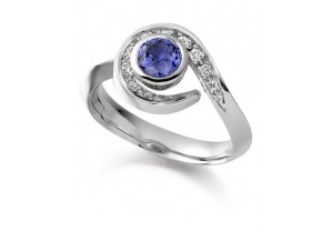 LADIES BLUE SAPPHIRE AND DIAMOND COLOURED STONE RING REF:GP2944