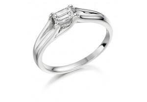 LADIES EMERALD  CUT DIAMOND RING 0.25CT  REF:GP2116