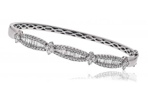 LADIES   DIAMOND BANGLE 2.30CT REF:GP667