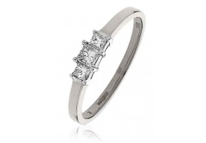LADIES  0.25CT PRINCESS CUT DIAMOND RING REF:GP156